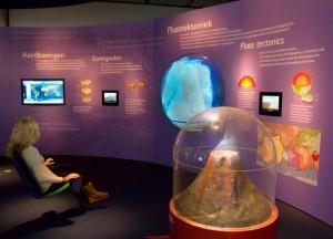 vulkanen_en_aardbevingen-museon-03_bew